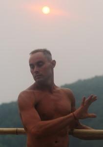 Йога с шестом